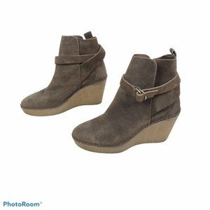 Pierre Hardy calf suede wedge booties size 40